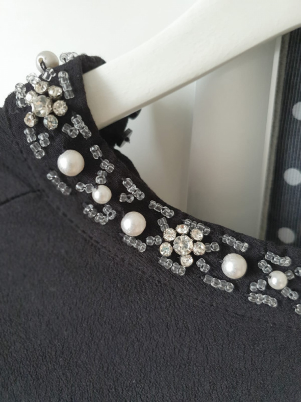 Elegancka bluzka czarna z ozdobą przy szyi h&m...