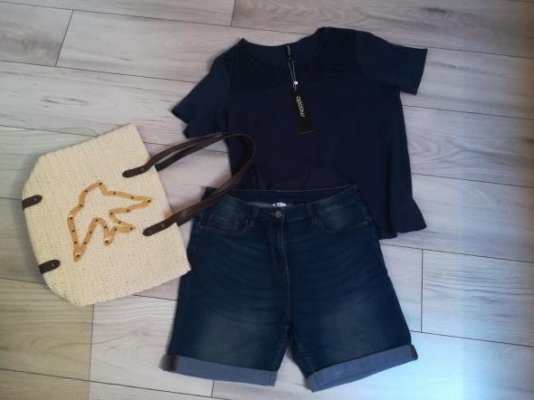 Nowa firmowa tunika i jeansowe spodenki na lato