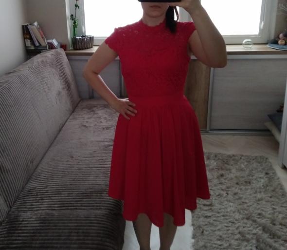 Malinowa sukienka Orsay...