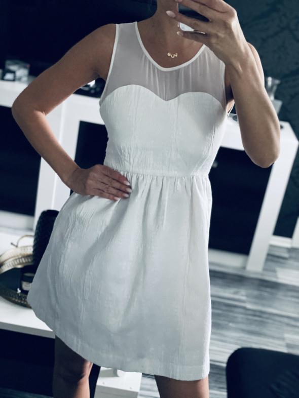 Suknie i sukienki Zara biała sukienka rozmiar xs