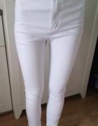 Białe jeansy z wysokim stanem
