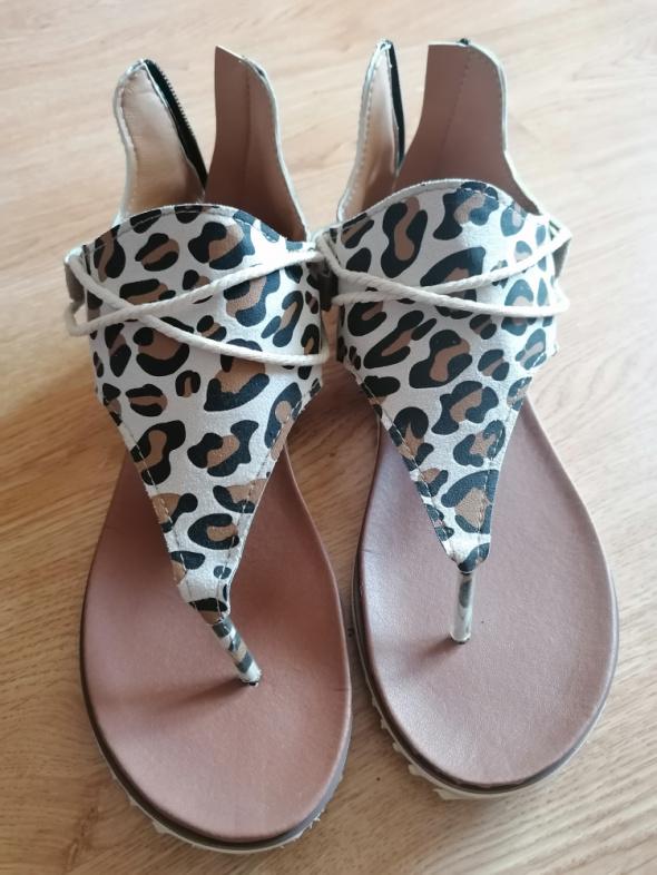 Sandały Sandały panterka