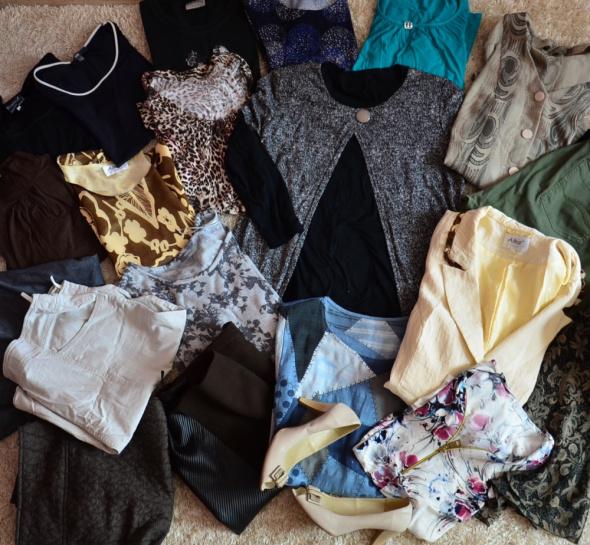 Komplety Mega paka damskich ubrań 52