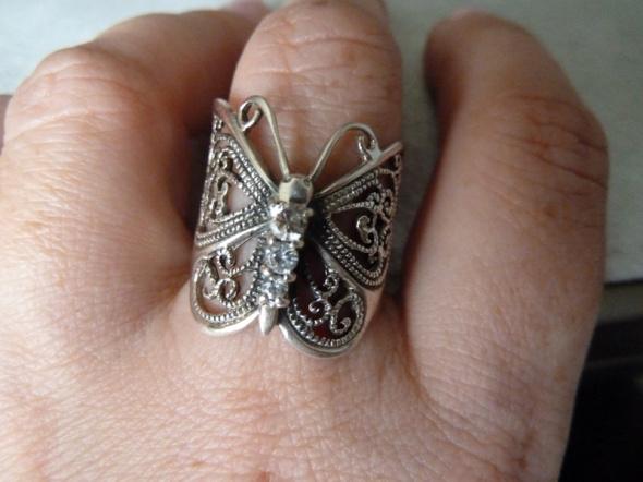 srebrny motylek