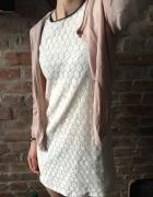 Sukienka biała Sinsay XS...
