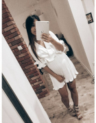 Biała sukienka plisowana Missguided