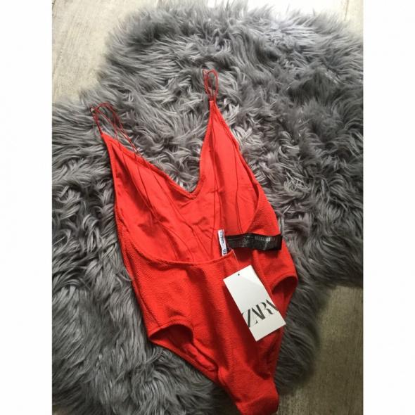 Czerwony strój kąpielowy Zara