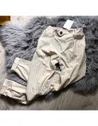 Nowe beżowe spodnie joggersy Bershka