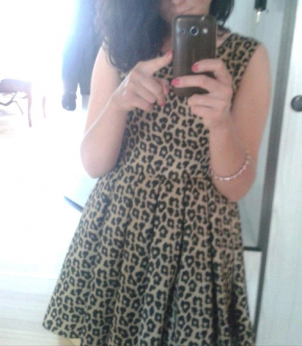 Sukienka rozkloszowana hot print panterka