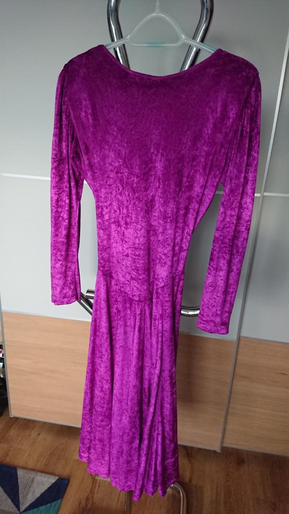 Suknia welurowa purpurowa w rozmiarze S...
