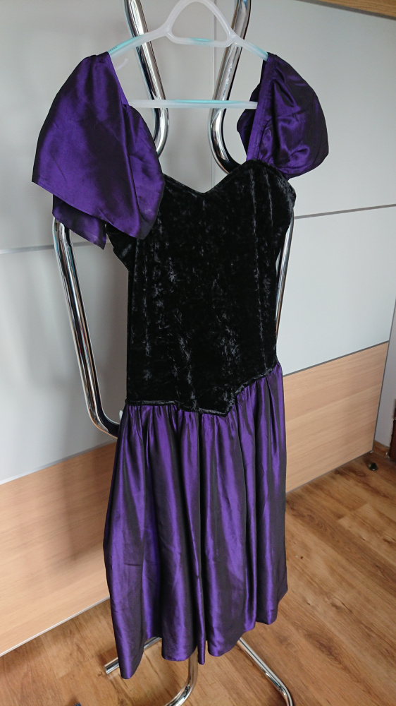 Oryginalna suknia fioletowoczarna rozmiar S