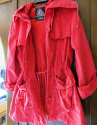 Bawełniana czerwona kurtka z kapturem przejściowa...