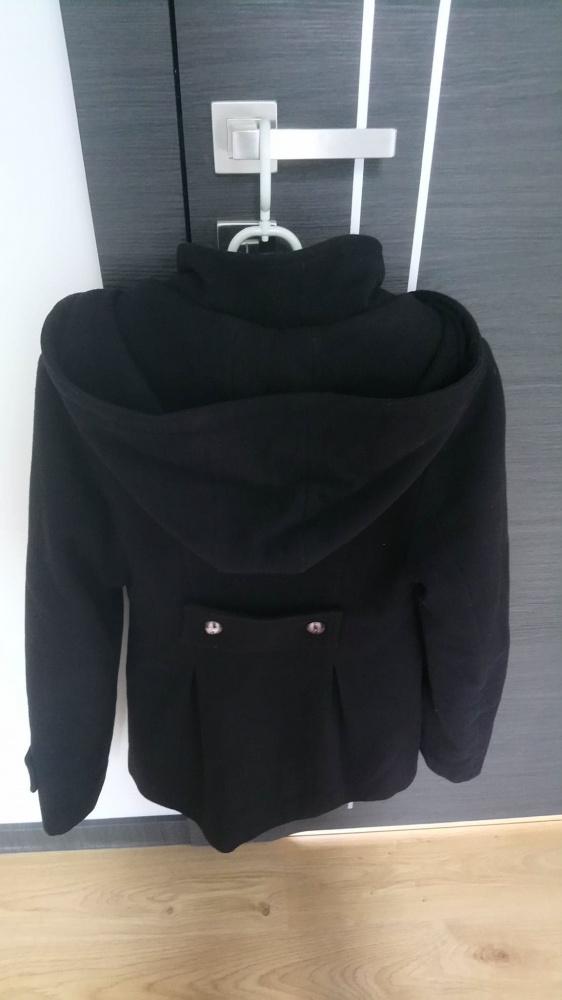 Używany czarny płaszcz...