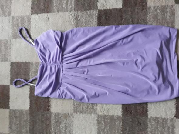 Liliowa sukienka na randkę imprezę