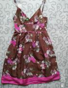 Jedwabna sukienka w kwiaty...