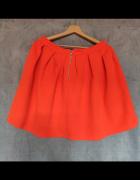 Pomarańczowa spódnica Sinsay...