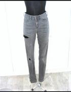 Szare spodnie rurki z dziurami must have blogerskie...