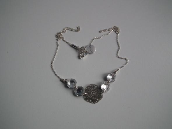 Srebrny naszyjnik z rozetka i kryształkami Swarovski Sotho