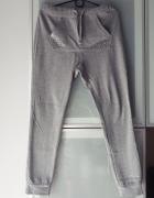 Spodnie dresowe cekiny zdobione rozmiar S...