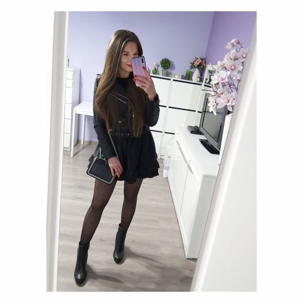 Blogerek Czarna spódniczka czarna ramoneska