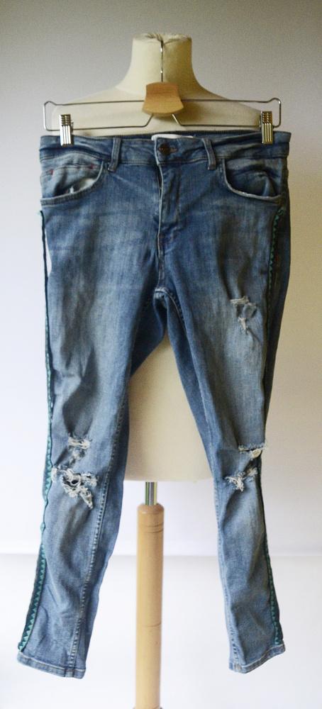Spodnie Zara XL 42 Dzinsowe Rurki Lampasy Dziury Jeansowe...