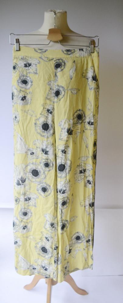 Spodnie Zara Basic S 36 Kwiaty Żółte Proste Nogawki Lampasy