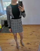 Sukienka we wzory czarno burgundowo biała...
