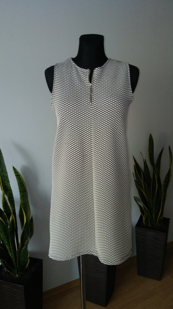 Sukienka asymetryczna Mohito