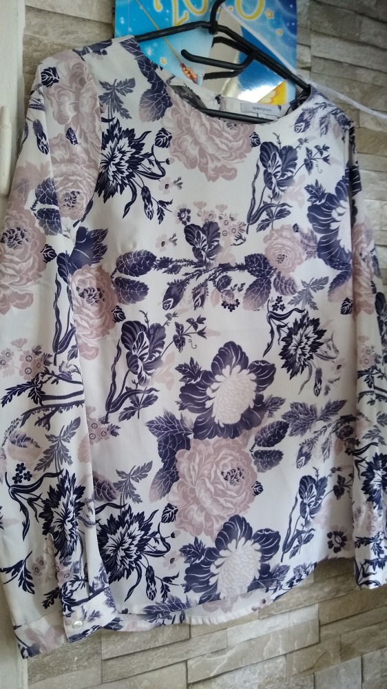 Piękna bluzeczka 36 kwiaty lato zwiewna wzory kolory