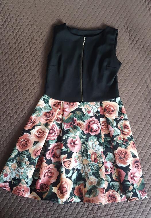 Suknie i sukienki Sukienka rozkloszowana w kwiaty 38 M