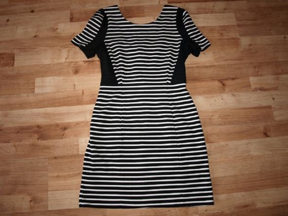 Sukienka w paski M L