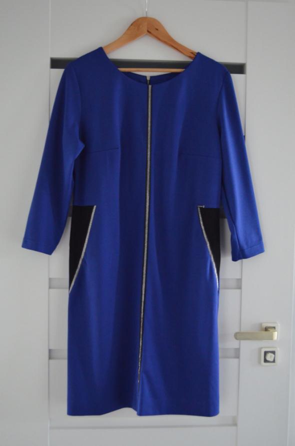Sukienka niebieska chabrowa 44