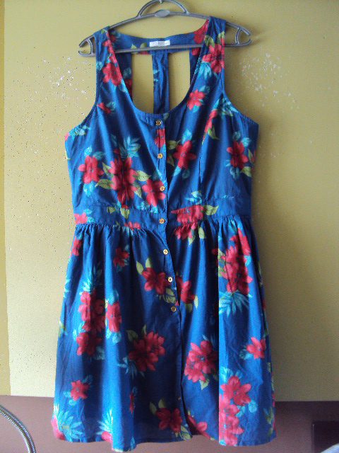 rozpinana sukienka w kwiatuszki