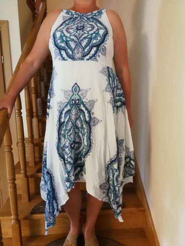 Suknie i sukienki sukienka w etniczne wzory