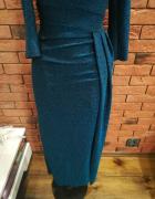 Suknia z odkrytymi ramionami