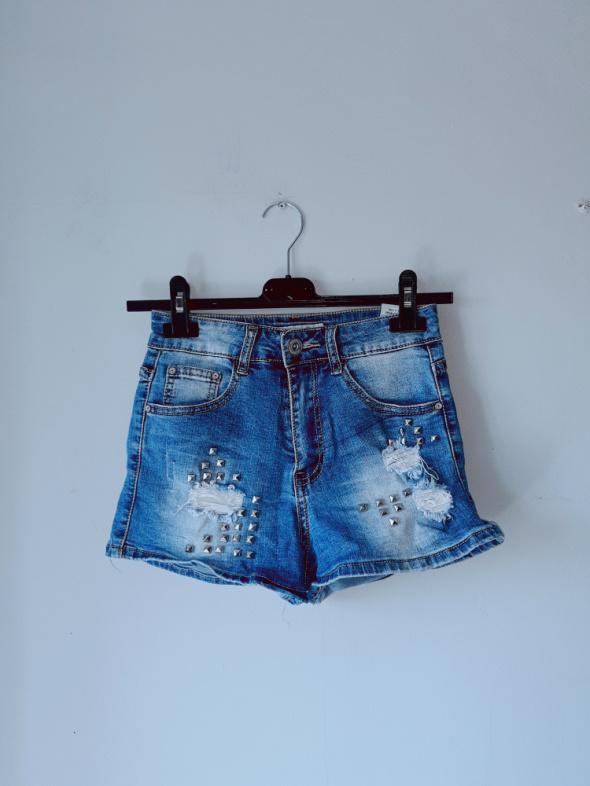 Spodenki z jeansu ćwieki xs...