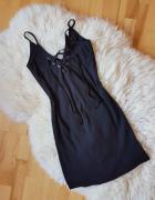 Czarna prążkowana sukienka na ramiaczkach River Island
