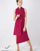Awangardowa sukienka z oryginalnym dekoltem kolor bakłażanowy D...