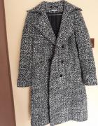 Długi płaszcz czarno biały Quiosque...