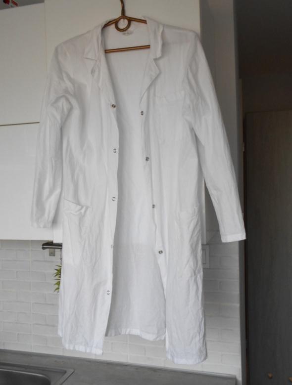 biały fartuch medyczny lekarski bawełniany bawełna