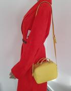 Żółta torebka listonoszka ZARA...