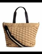 duża złota satynowa torba torebka H&M pikowana kuferek kufer