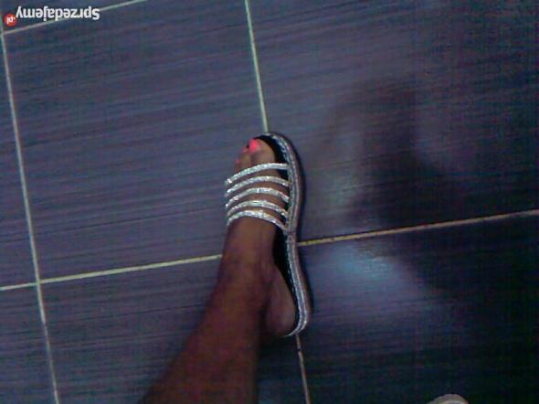 Lsniace diamenciki buty klapki damskie NOWE
