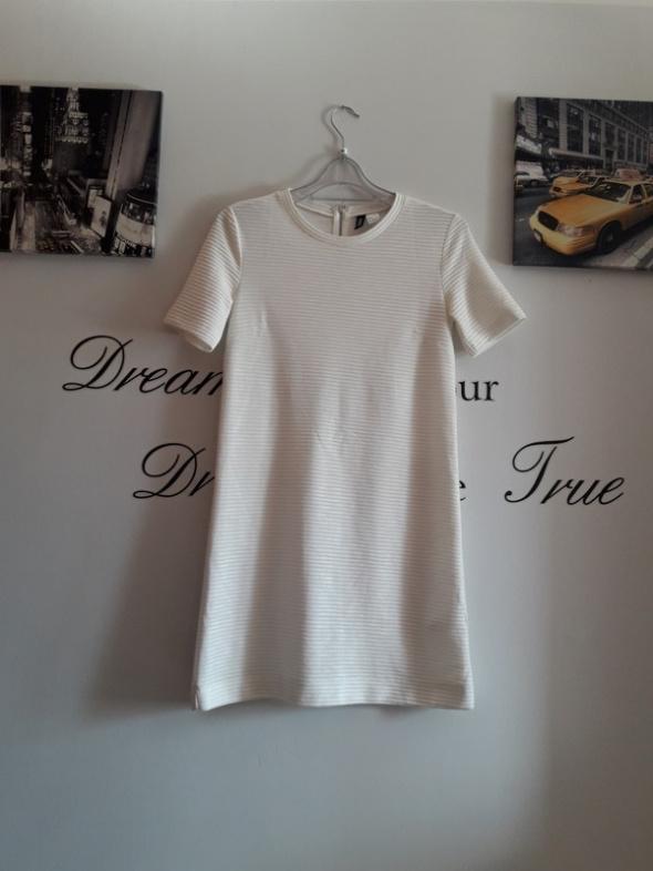 biała sukienka H&M...