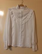 Biała bluzka koszulowa z falbankami...