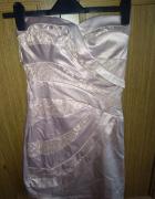 Sukienka w kolorze nude...