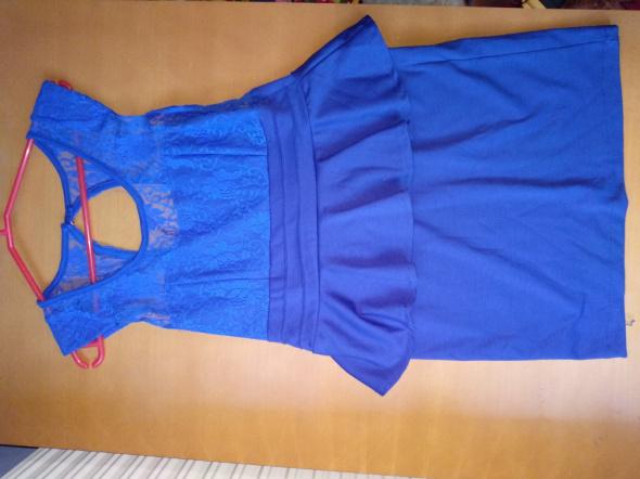 Niebieska kobaltowa sukienka z koronka