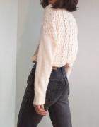 Kremowy klasyczny sweter w warkocze vintage oversize zima zimow...