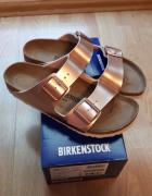 Nowe Birkenstock Arizona w kolorze jasnoróżowym...