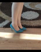 Niebieskie szpilki